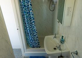Chalet-2468-Shower-1